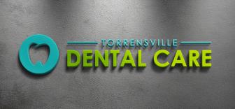 Цветная вывеска для стоматологии с зубом